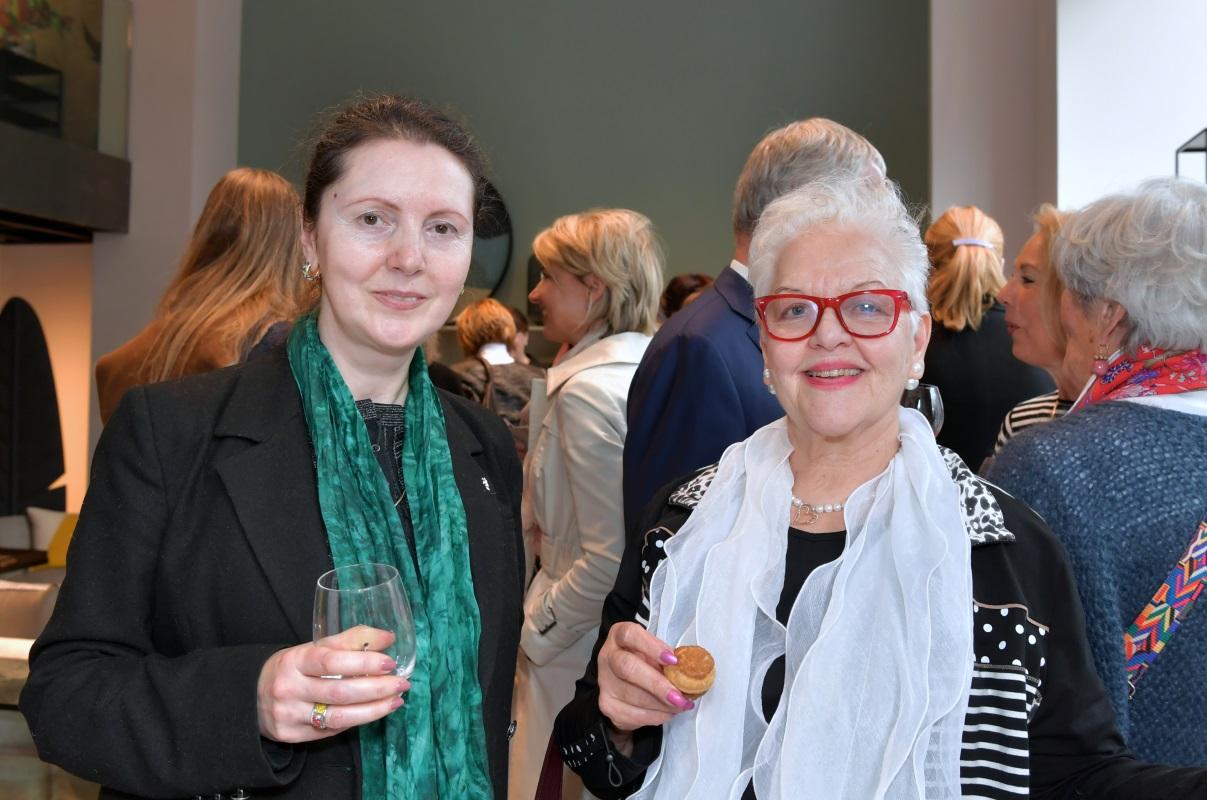 Comme à la maison. Livia Balu et Ilse Dannenmaier. © Valdemar Verissimo
