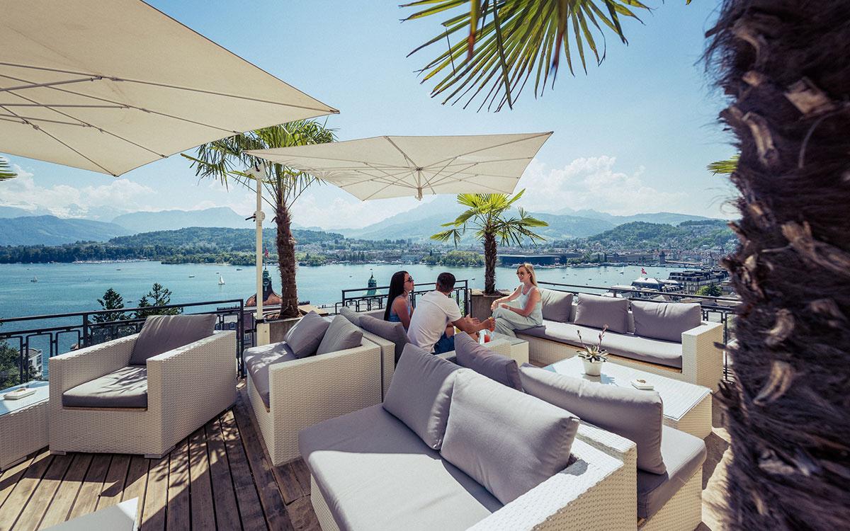 Belle Les plus belles terrasses de Suisse | Paris Match Suisse NM-81